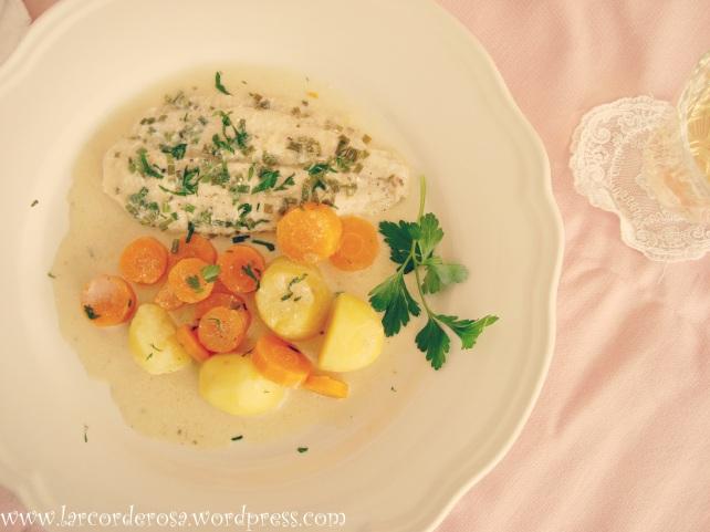 peixe afilé de peixe ao molho de verduras