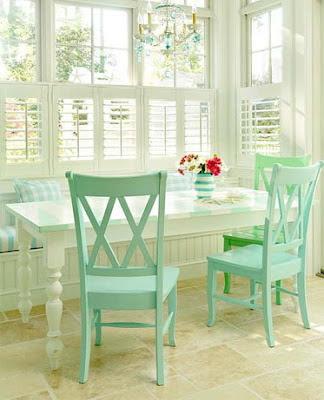 sala de jantar em tom verde pastel