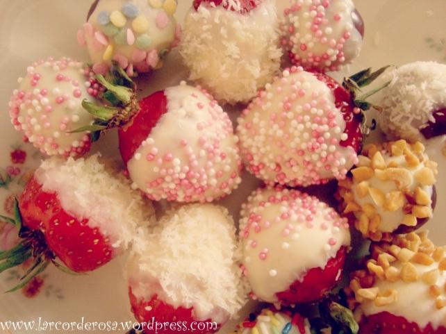 frutinhas cobertas com chocolate