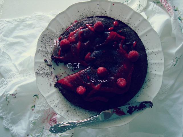 bolo de chocolate com framboesa